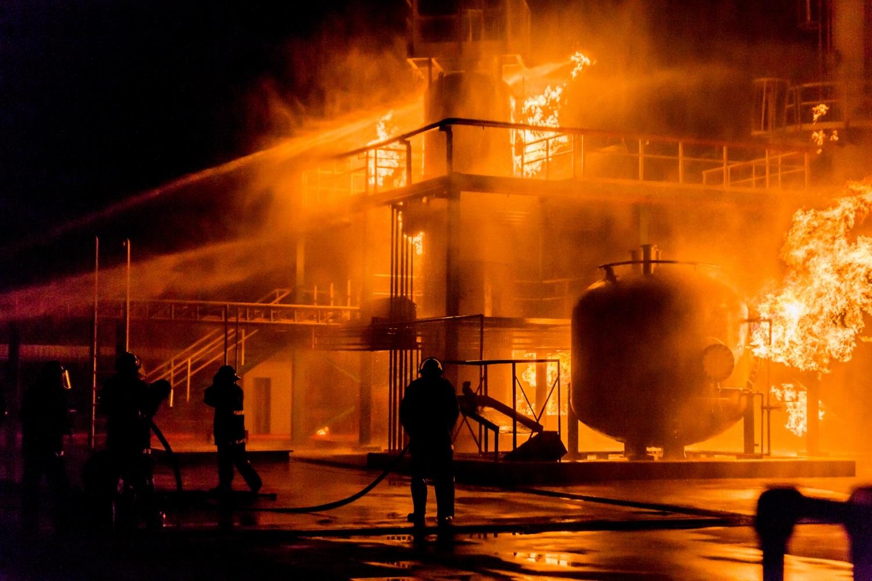 Zabezpieczenia przeciwpożarowe w obiektach przemysłowych