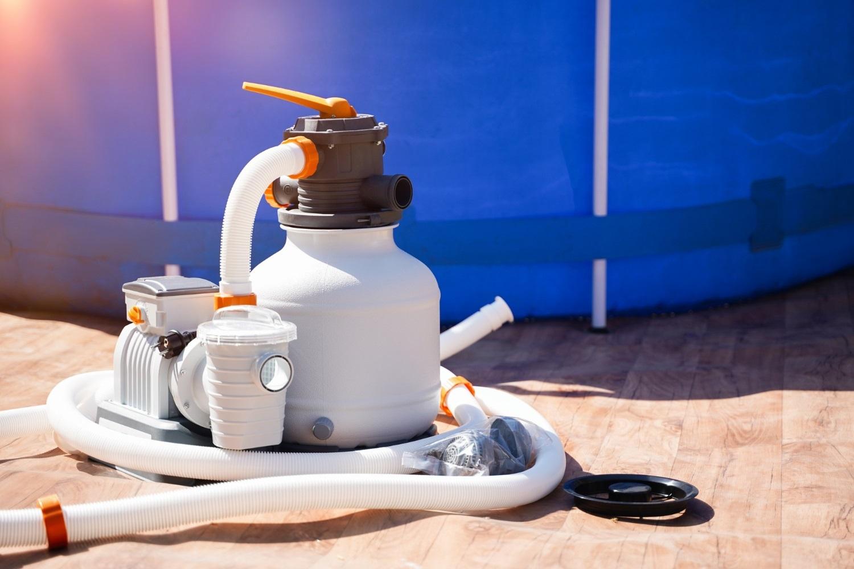 Pompa ciepła do basenu – jak działa, ile kosztuje i jak wybrać odpowiednią