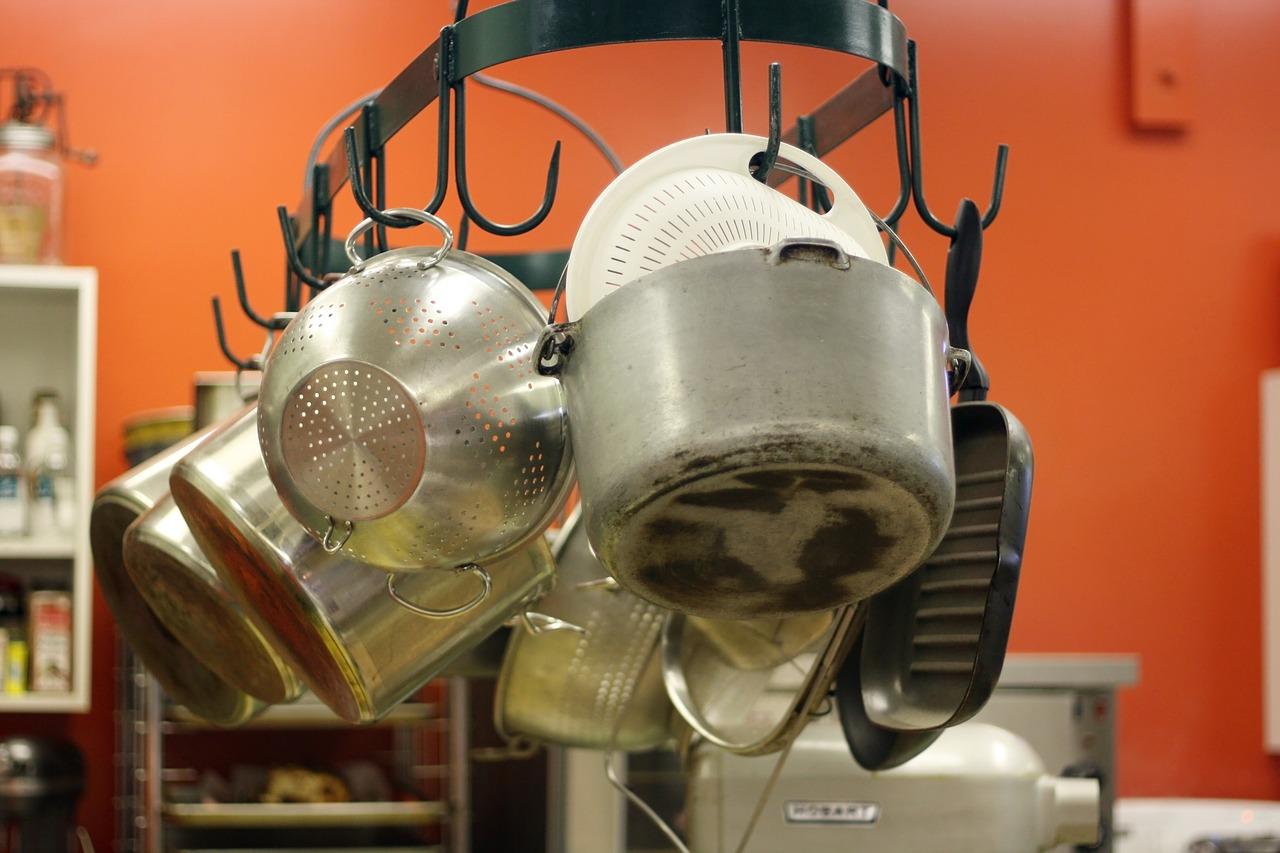 Akcesoria do kuchni - jak skompletować idealny zestaw?